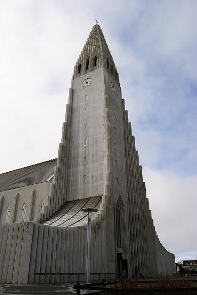 Die Kirche von Reykjavik...gut, eine Kirche in R.