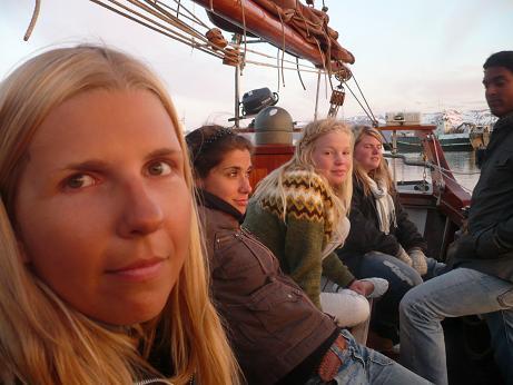 Grillen auf Haukur, dem Segelboot