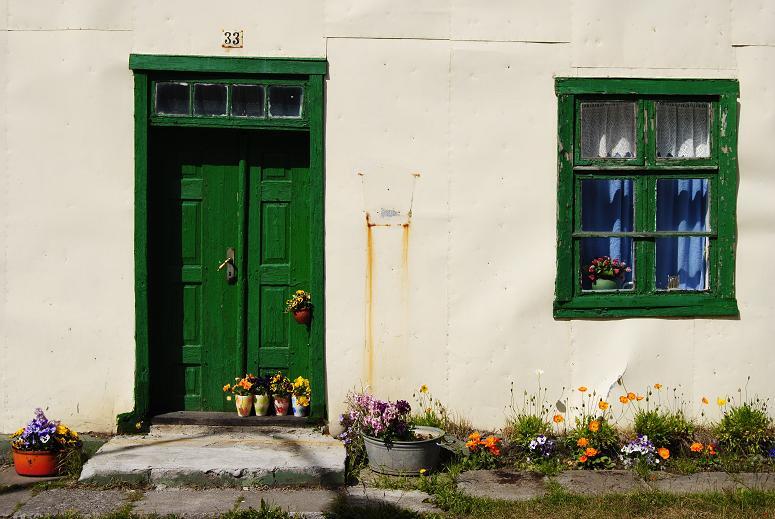 """Haus in Ísafjörður, der """"Metropole"""" der Westfjörde - mit Thairestaurant und Kino!"""