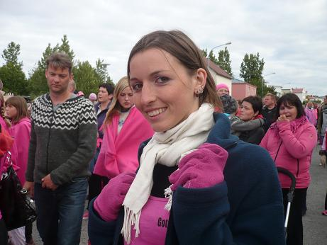 Anne-Marie in der rosa Parade