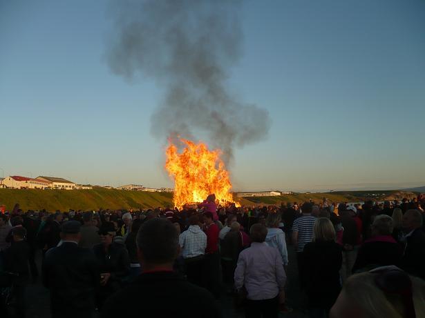 Ein Feuer wurde auch gemacht