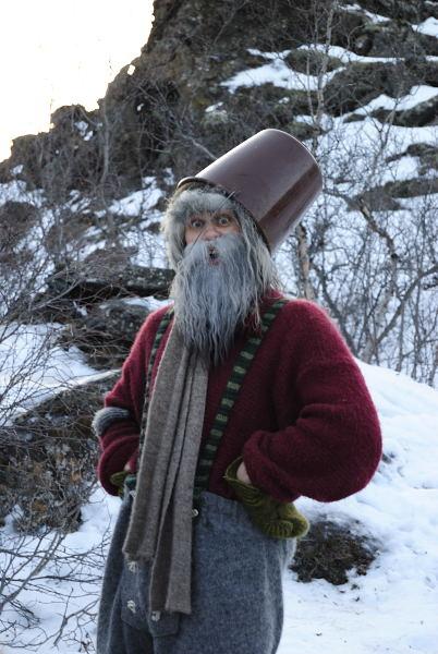 Den Herrn kannte ich dann auch noch - er war damals mein Guide, als ich in die Eishöhle gefahren bin.